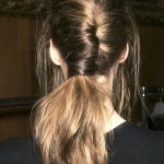 Acconciatura French twist ponytails effetto shabby