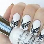 Bridal Nail art da sposa bianca con decoro in pizzo nero
