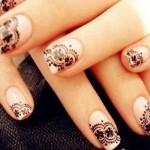 Nail art da sposa stile gotico con pizzo nero