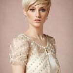 Semplice e raffinata pettinatura da sposa con capelli corti