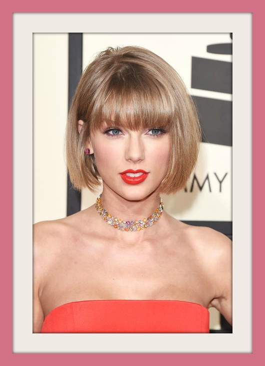 Immagini Nuovo Taglio Capelli Caschetto corto con frangia 2016 Taylor Swift