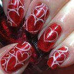 Unghie con cuori per San Valentino