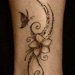 Tatuaggio fiore di frangipane