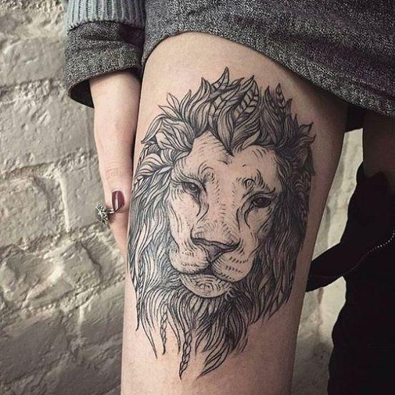 Qui di seguito potete prendere ispirazione da 15 immagini di tatuaggi LEONE  associati anche ad altri simboli come la corona o i fiori.