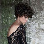 Taglio capelli corti ricci