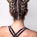 Acconciatura moda Double Buns