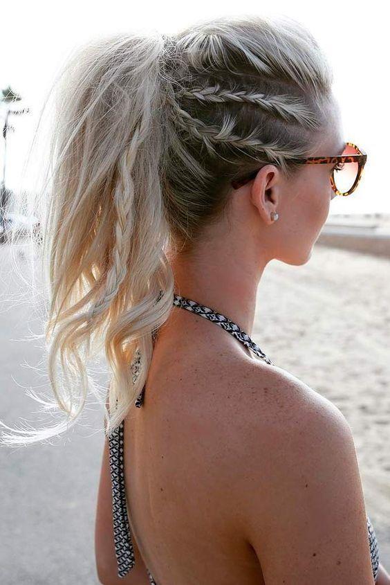 Acconciatura spiaggia capelli lunghi