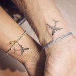 Tatuaggio di coppia per chi ama viaggiare