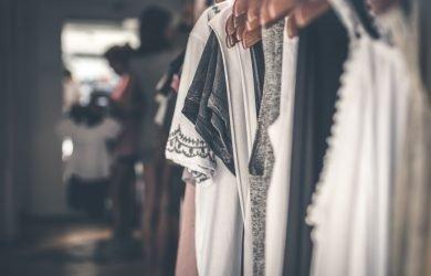 Gaelle Bonhuer scelta perfetta per un abbigliamento dal mood parigino
