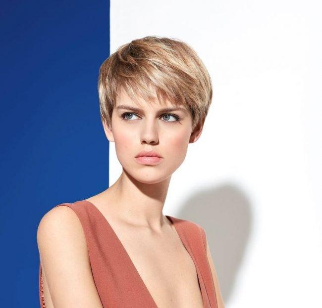 Taglio capelli corti Intermede 2019