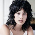 Taglio capelli lunghezza media lunga donna 2019 by Maniatis