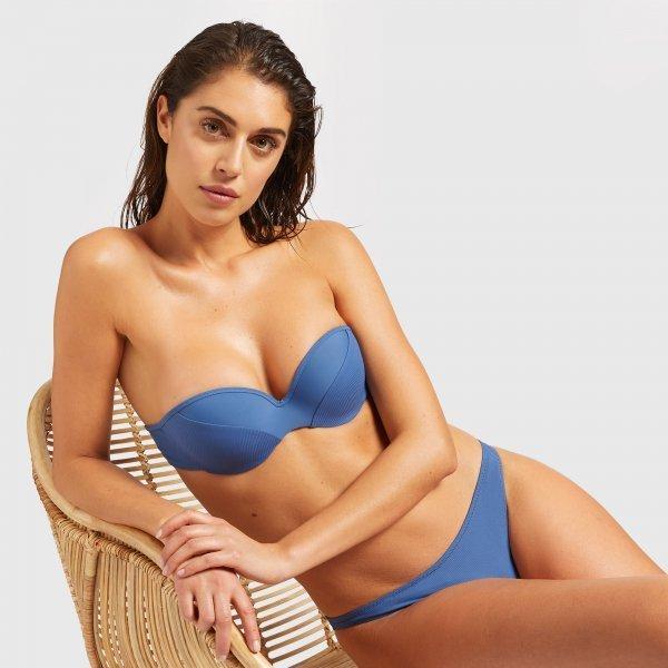 Bikini con reggiseno a fascia imbottita Yamamay estate 2019