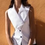 Camicia smanicata con ampio collo estate 2019 donna