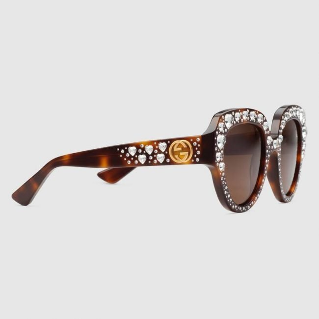 Occhiali da sole Gucci con cuori di cristallo estate 2019
