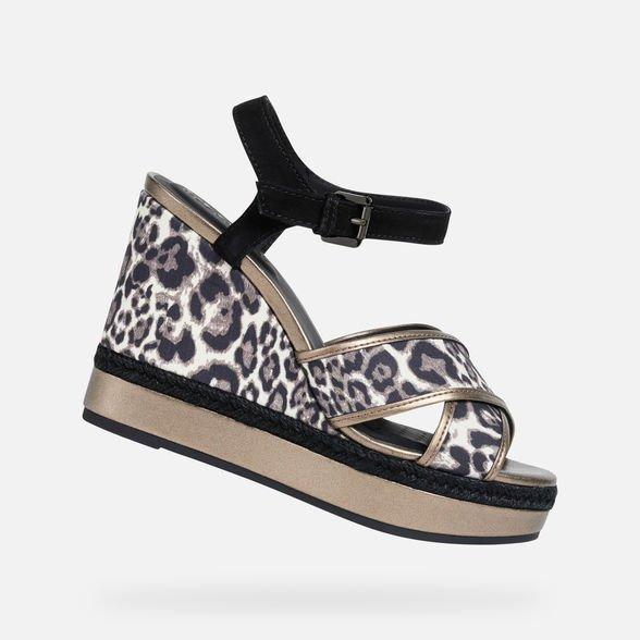 Sandalo con zeppa animalier Geox estate 2019