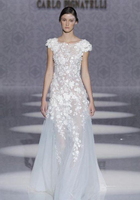 Vestito da sposa con ricami floreali Carlo Pignatelli 2020