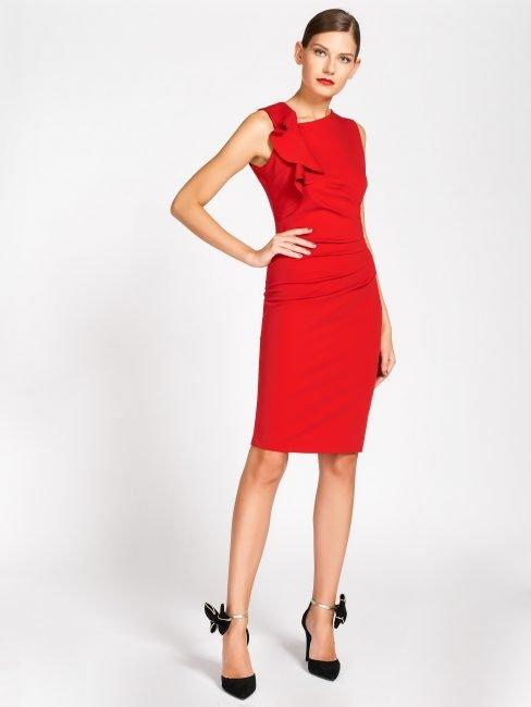 Elegante tubino rosso Rinascimento collezione autunno inverno 2019 2020