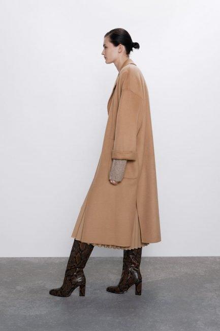 Cappotto a vestaglia cammello Zara con spacchi laterali 2020