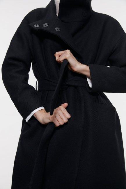 Cappotto a vestaglia nero Zara 2020