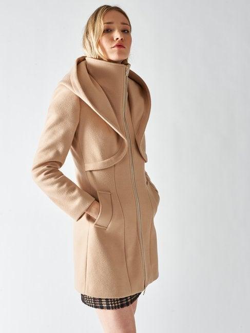 Cappotto color cammello Rinascimento inverno 2020