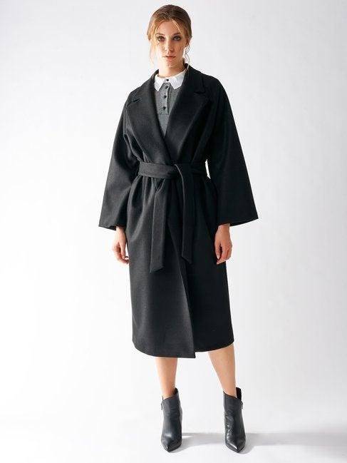 Cappotto lungo nero a vestaglia Rinascimento prezzo 159 euro