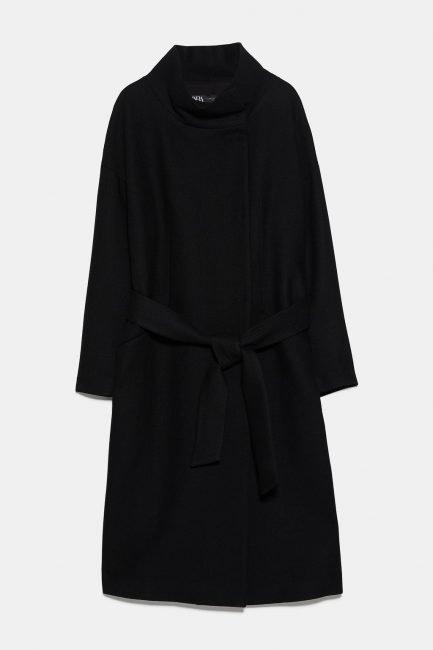 Cappotto nero a vestaglia con collo alto Zara