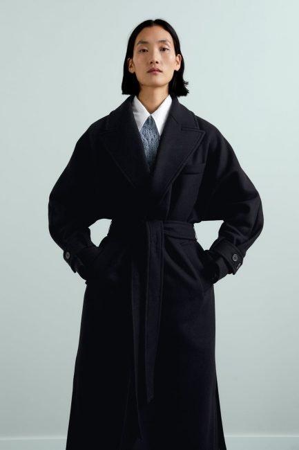 Cappotto nero con cintura Zara