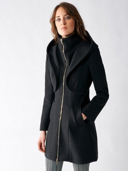 Cappotto sfiancato con cappuccio Rinascimento inverno 2019 2020 prezzo 179 euro