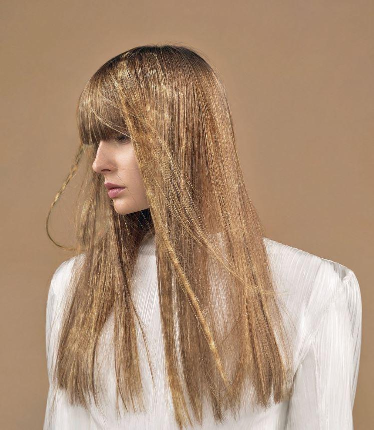 Taglio capelli lunghi lisci con frangia donna 2020 - Lei ...