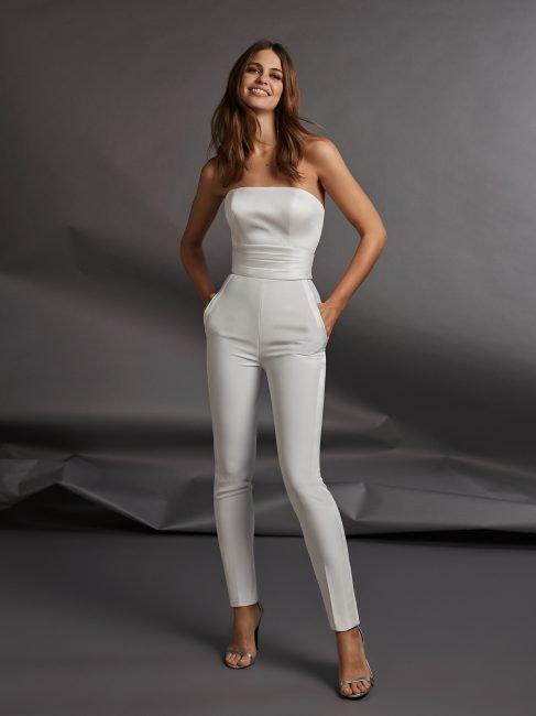 Tuta intera con pantaloni stile smoking da sposa Pronovias 2020