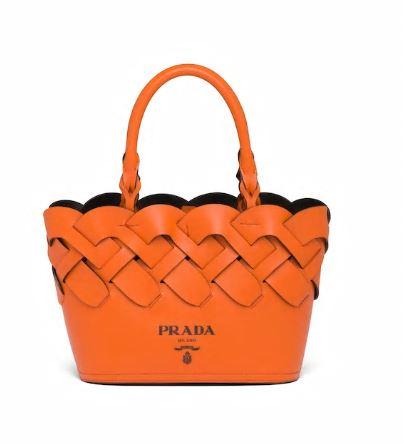 Mini shopping Prada in pelle intrecciata estate 2020 color arancio papaya