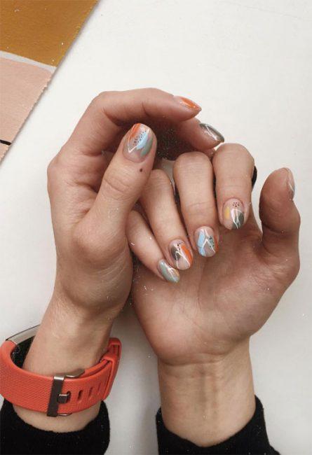 Nail Art a tavolozza di colori moda unghie 2020