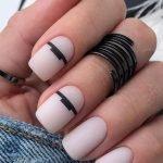 Semplice manicure minimalista moda unghie 2020