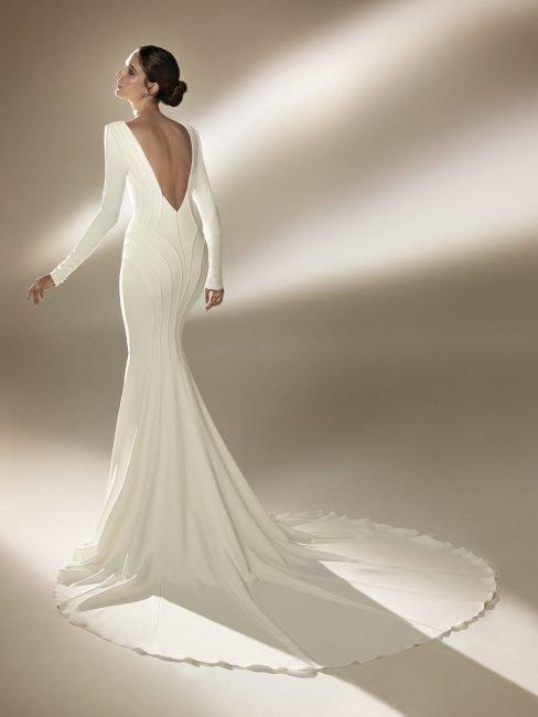 Pronovias abito da sposa a sirena minimal chic mod Burton