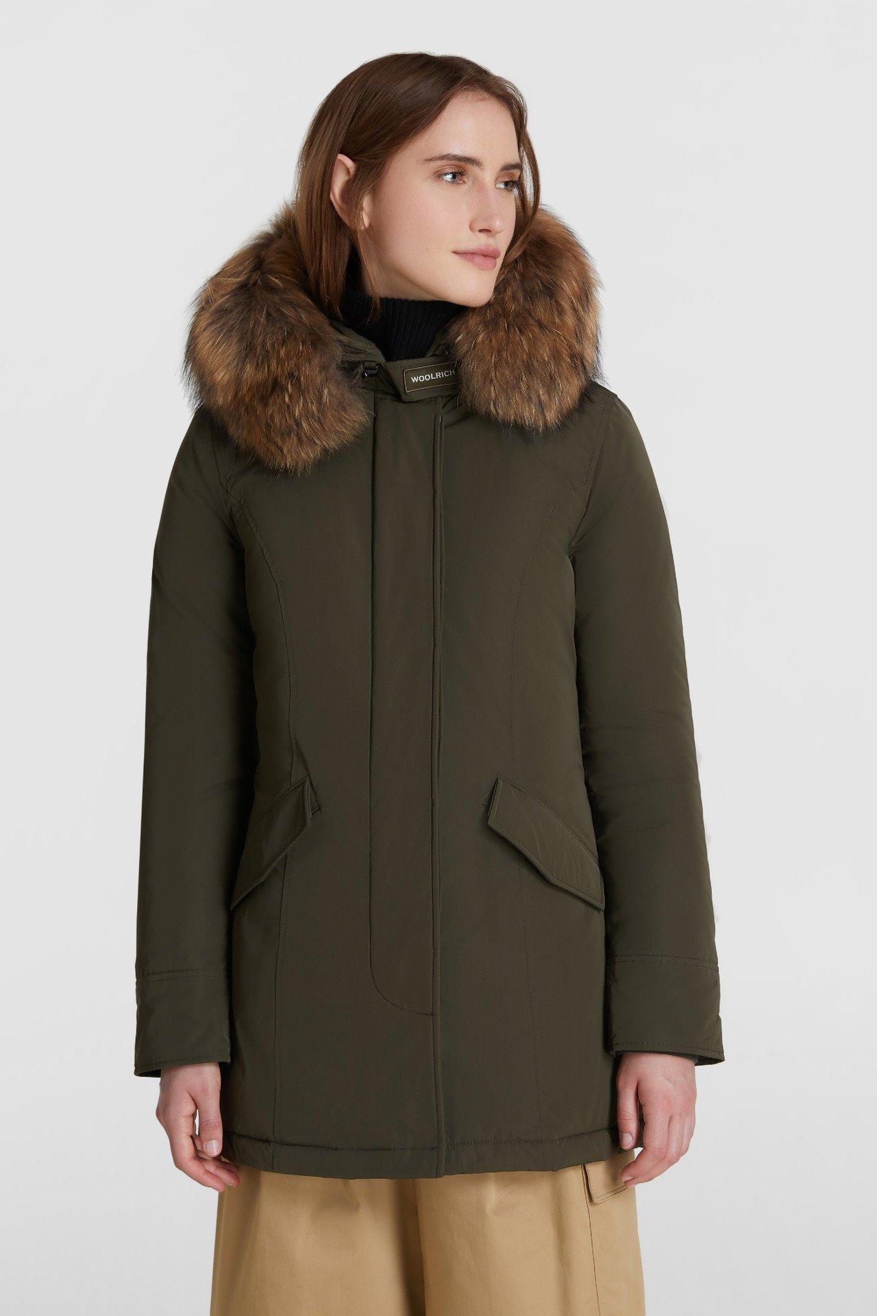 Arctic parka Luxury Woolrich con pelliccia staccabile prezzo 755 euro