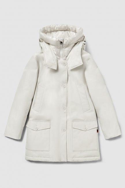 Nuovo Arctic parka Woolrich con doppio cappuccio e collo alto colore white stone collezione invernale 2021