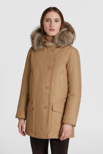 Nuovo colore Arctic Parka Woolrich donna collezione invernale 2020 2021 gold khaki